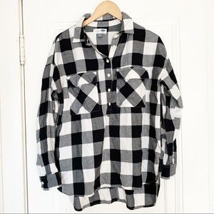 Old Navy Black And White Checked Button Down